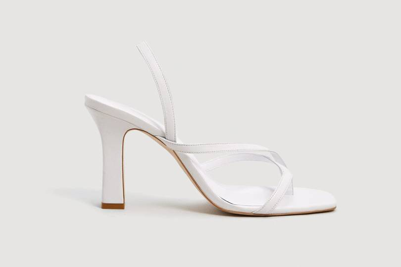 the white sandals that are going to have this summer trends going crazy